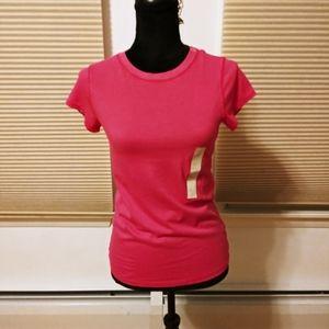 Universal thread t-shirt